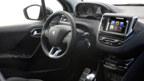 Peugeot 208 Allure 1.2 PureTech 82 5DR | Dunstable & Hereford ...