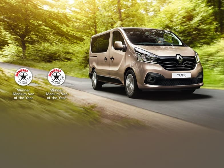 55875f3c74 New Renault Trafic Business 9 Seater