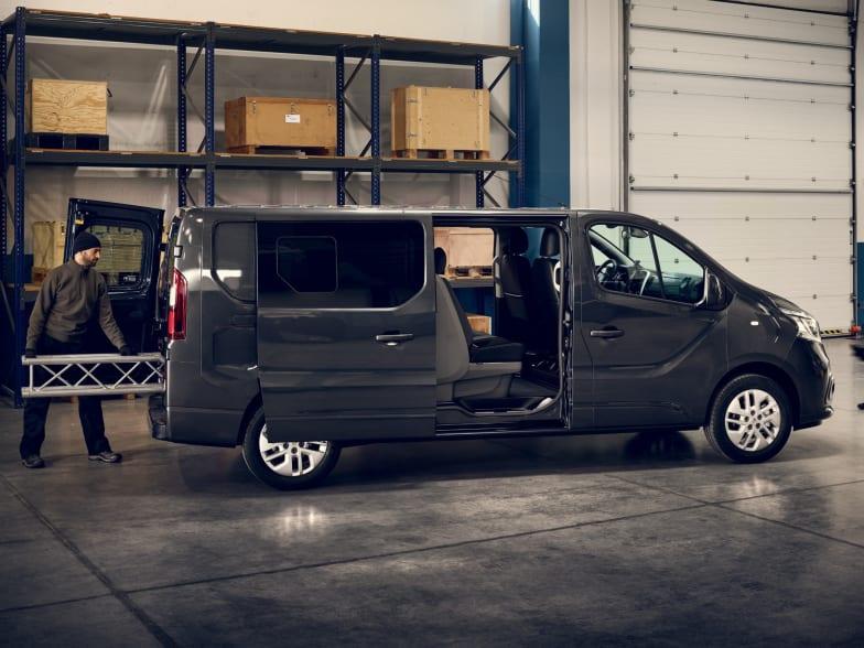 New Renault Trafic | Smiths Peterborough