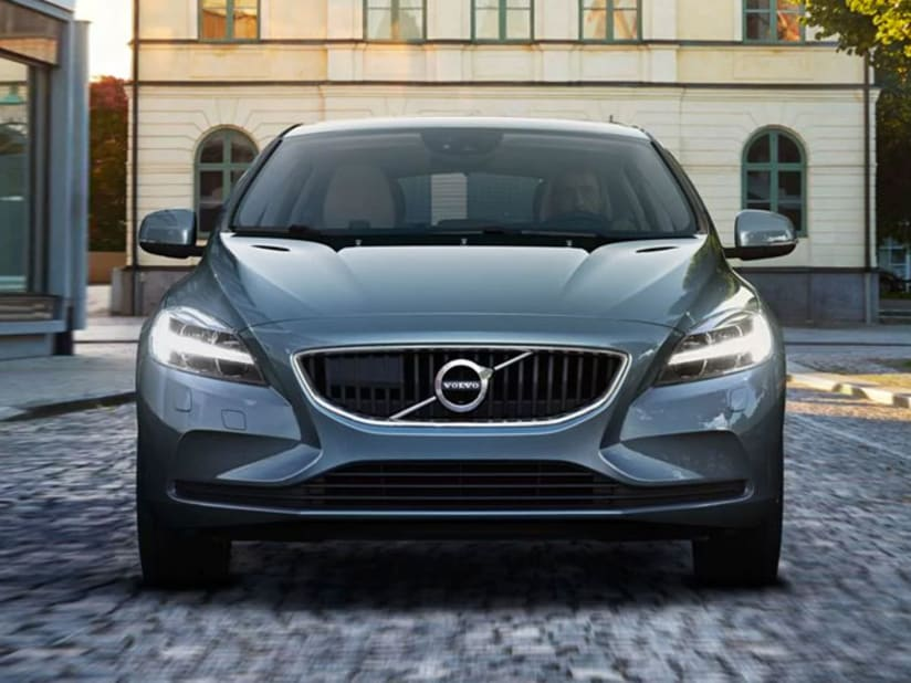 New Volvo V40 R Design Cross Country More
