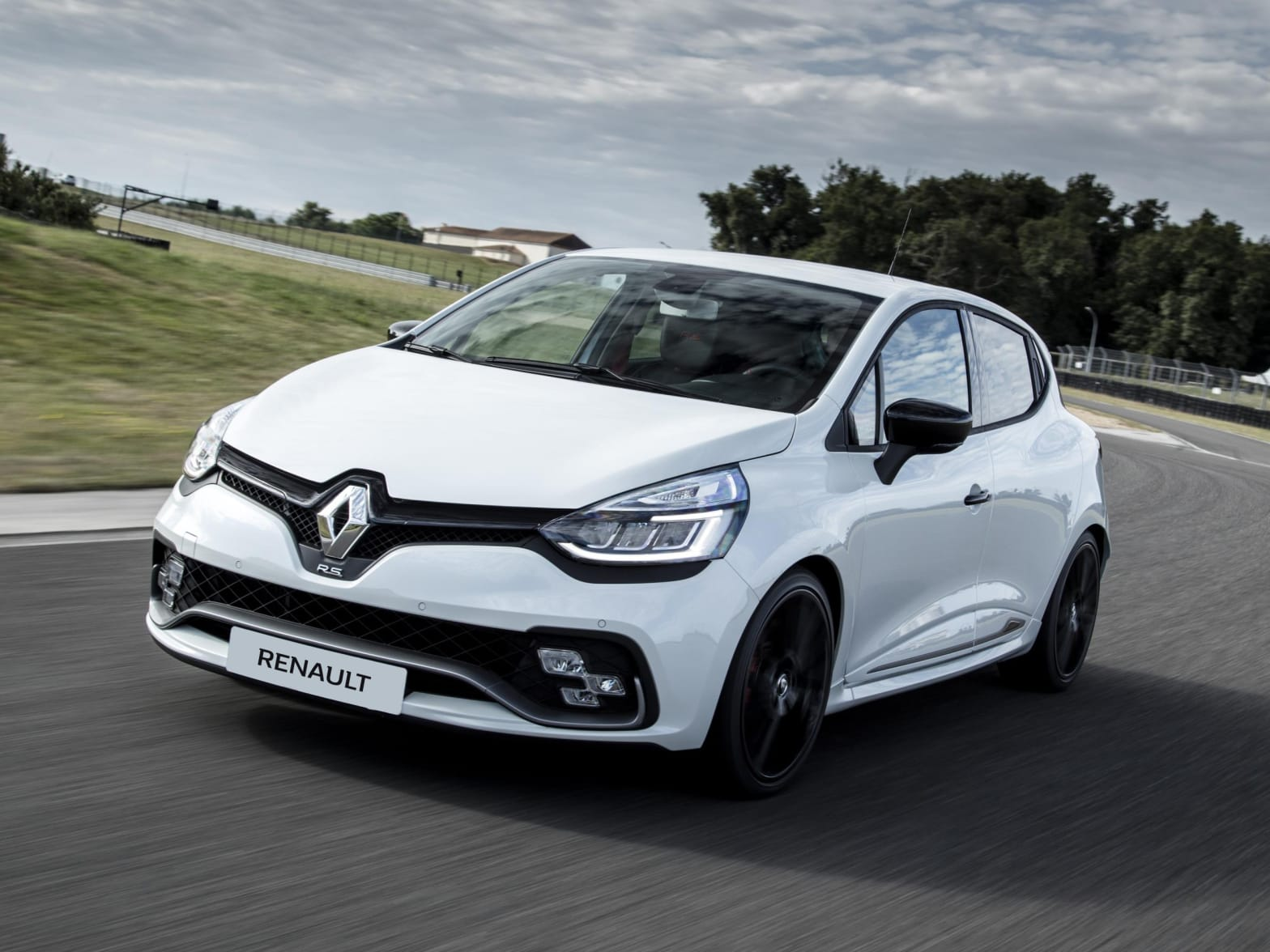 New Renault Clio | Smiths Peterborough