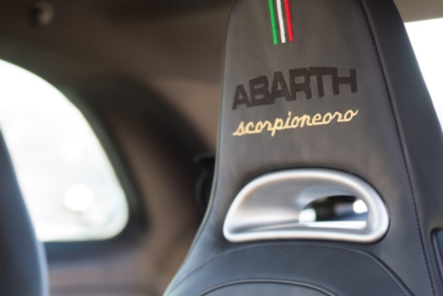 Abarth 595 Scorpioneoro Interior Seat
