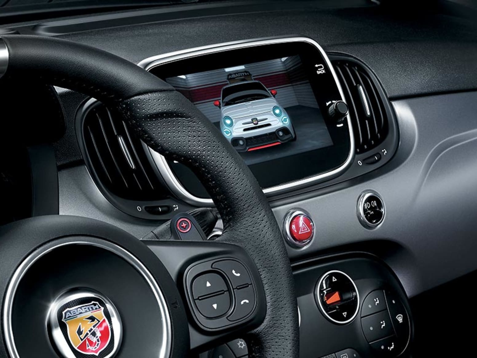 Abarth 595 Turismo Entertainment Screen