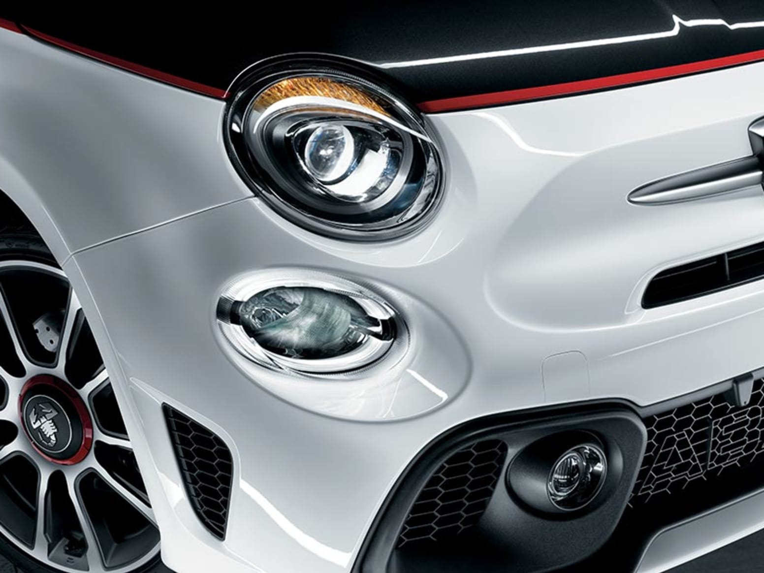 Abarth 595 Turismo Headlights