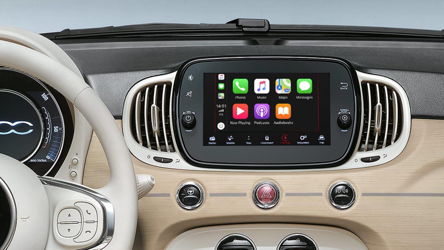 Fiat 500C Dolcevita Apple CarPlay