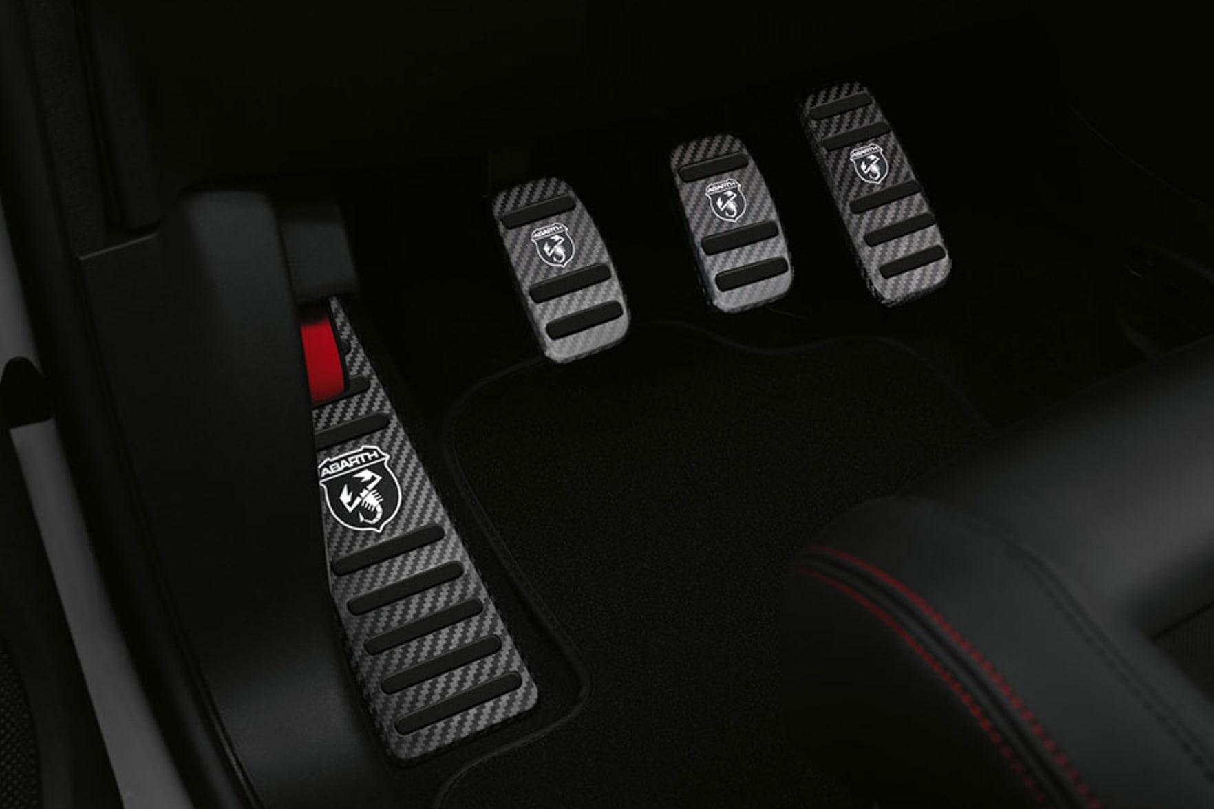 Abarth 595 Esseesse Carbon Pedals