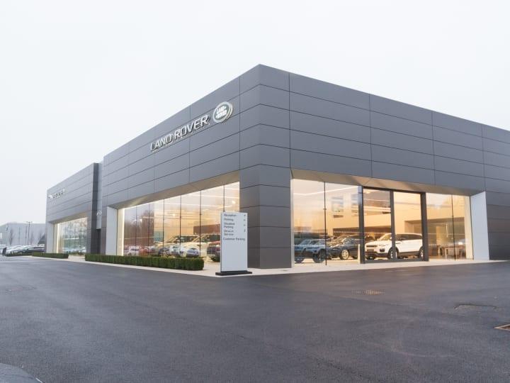 Lancaster Land Rover >> Land Rover Dealership In Milton Keynes Official Dealers