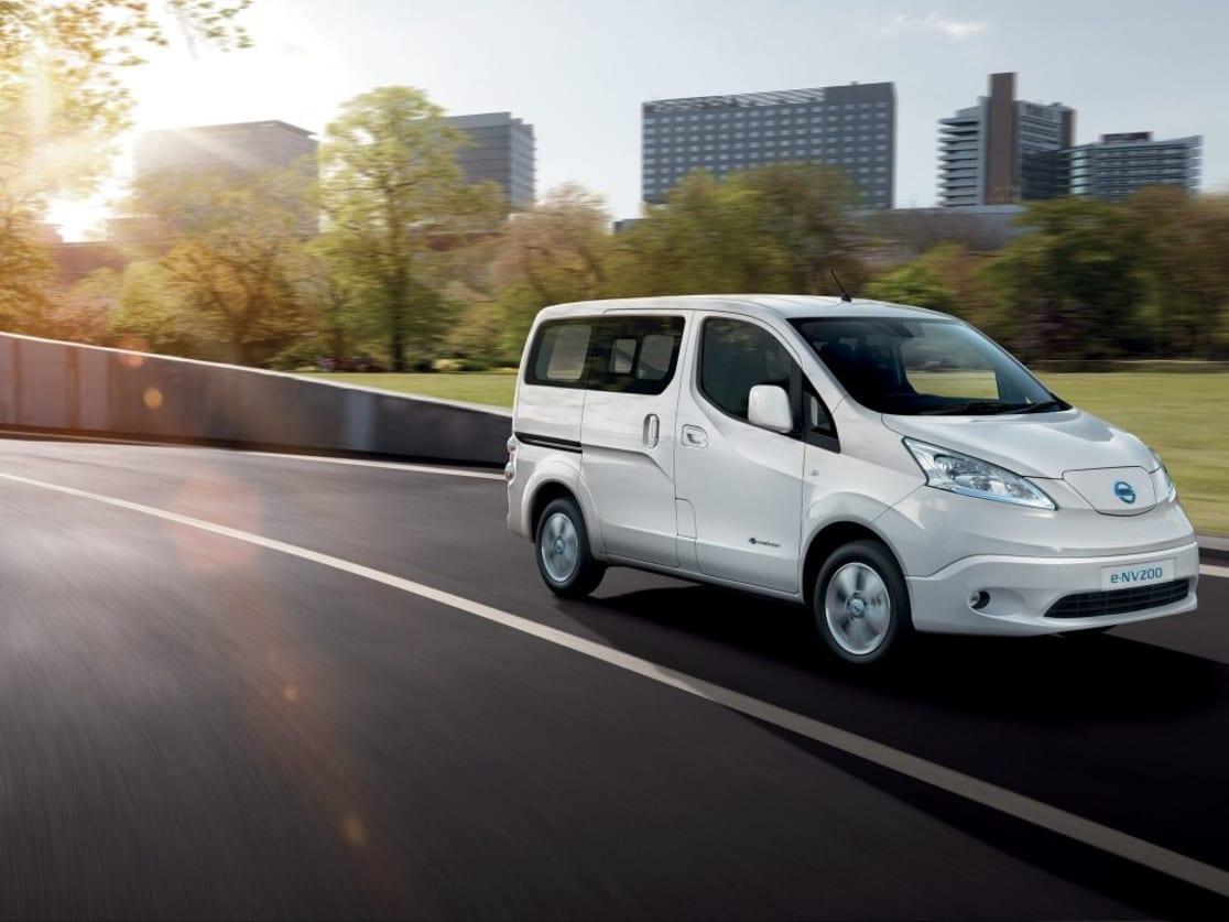 New Nissan e-NV200 Combi | Stafford & Telford | W R Davies Nissan