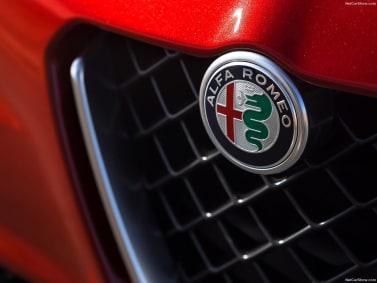 New Alfa Romeo Giulia Quadrifoglio Trilobe Grille