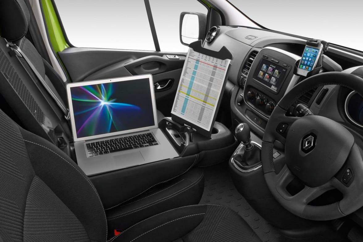 New Renault Trafic Offer | Glyn Hopkin Ltd
