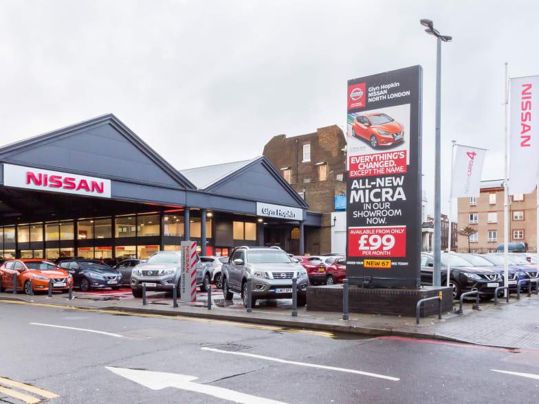 Used Car Dealers London >> New Used Nissan Dealer In North London Glyn Hopkin