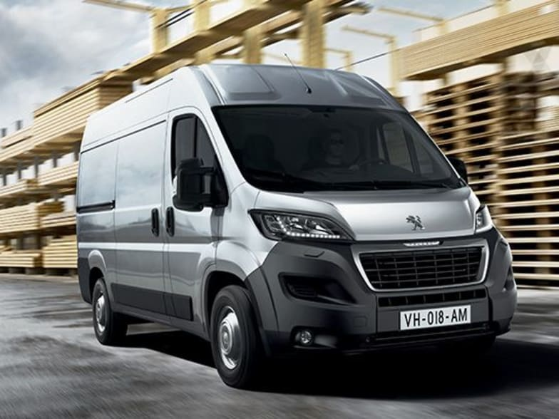 fd67b2badcbc00 Peugeot offers four body lengths and three roof heights