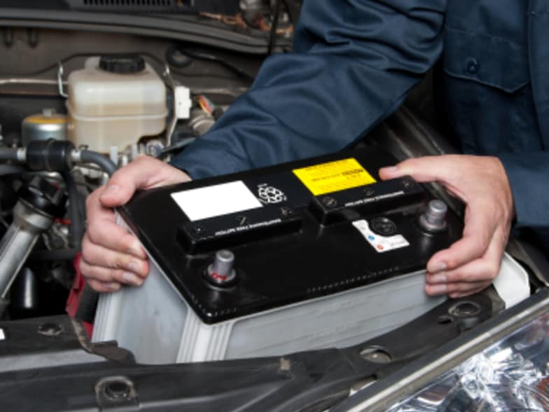 How to Spot Car Battery Problems | Motorama