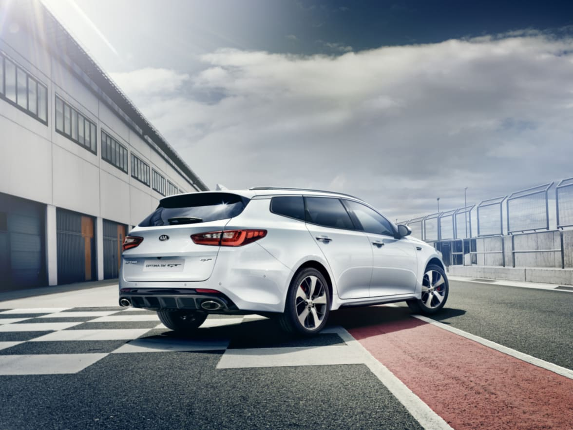 All New Optima Sportwagon Blackpool Chorley Group Kia Rear View Camera Has You Covered The Adds Flair And Glamour To Traditional Estate Car Market While Still Offering A Functional 552 Litre Boot