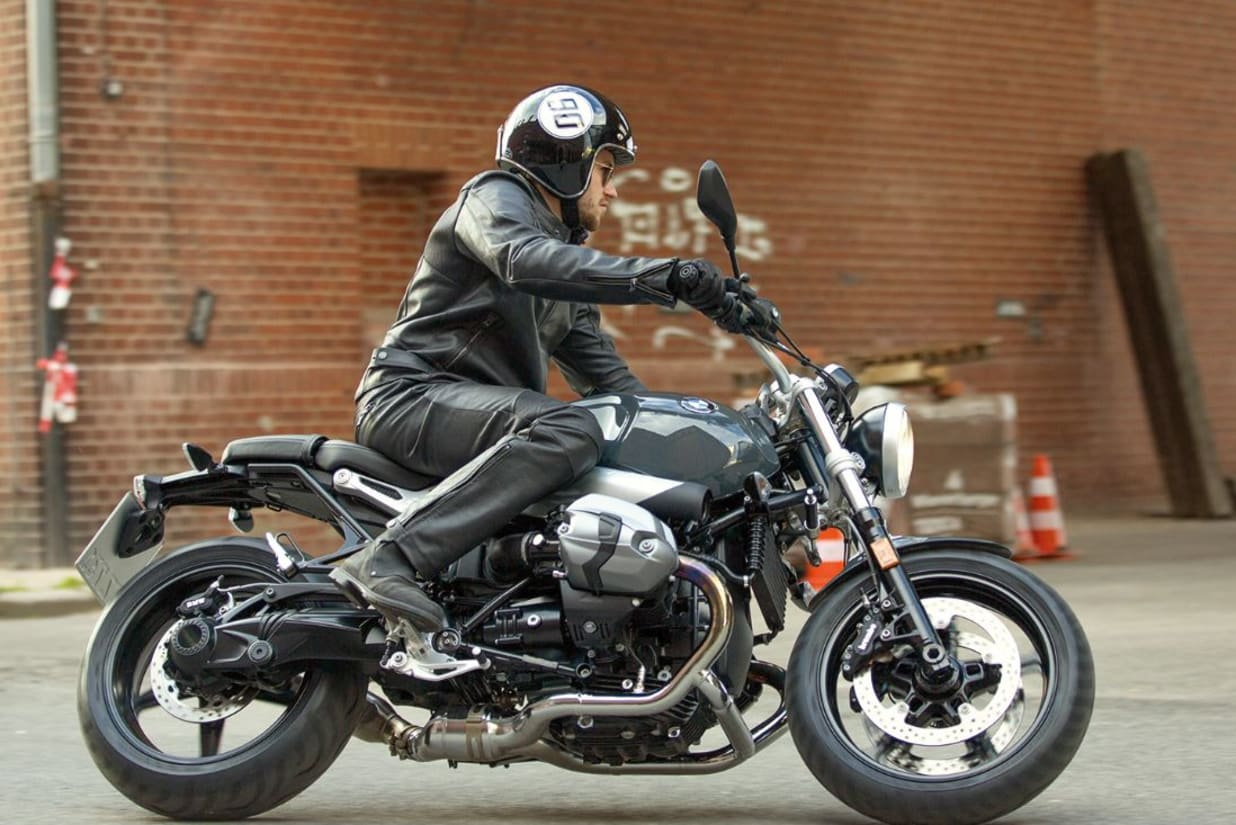 Bmw Bike Dealer Grimsby Lincolnshire Marshall Motorrad Twin Bikes The 2 In 1 Exhaust System With A Typical Roadster Look Emphasizes This Self Confident Style Full Powerful Sound Thanks To Standard Abs And Optional