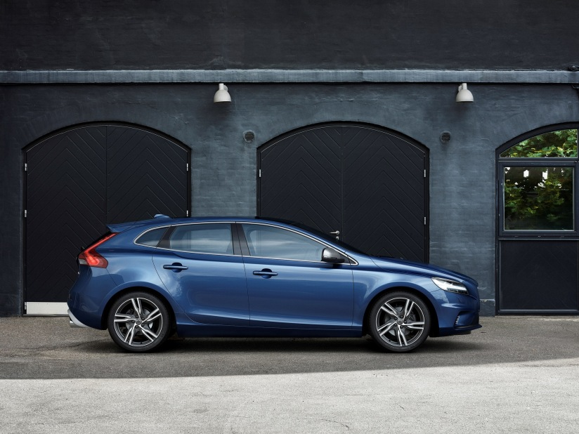 Volvo V40 R-Design Edition From £199 per month on PCH