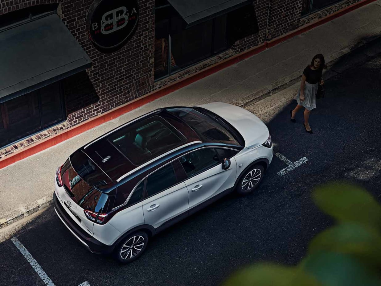 New Vauxhall Crossland X Cms Kidderminster Flexconnect Have Tech Will Travelthe Offers High Style As Well A Lofty View Of The Road Optional Panoramic Roof Provides An Unrivalled Your