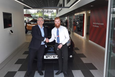 James endorses the new leaf news events wessex garages to try the nissan leaf for yourself book a test drive today at one of wessex garages nissan branches in bristol gloucesteror cardiff solutioingenieria Images