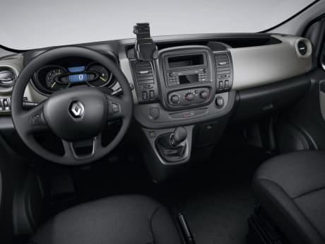 Renault Trafic Passenger Motability Offer   Glyn Hopkin Ltd