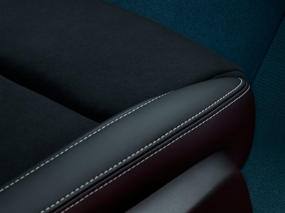 A close-up image of a seat with leather-free upholstery in the Volvo C40 Recharge.