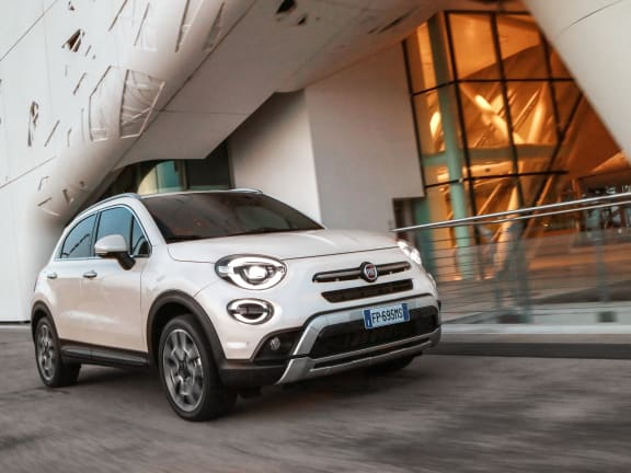 Front view of a white Fiat 500X