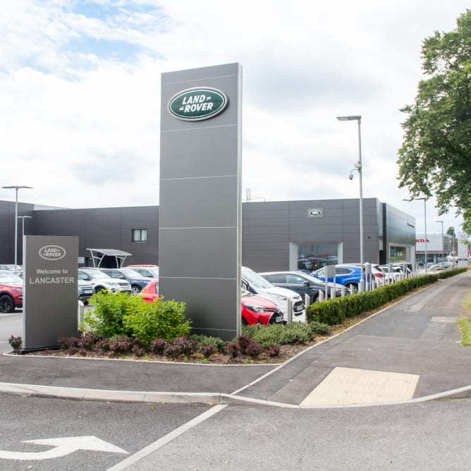 Land Rover Birmingham >> Land Rover Dealership In Birmingham Official Dealers