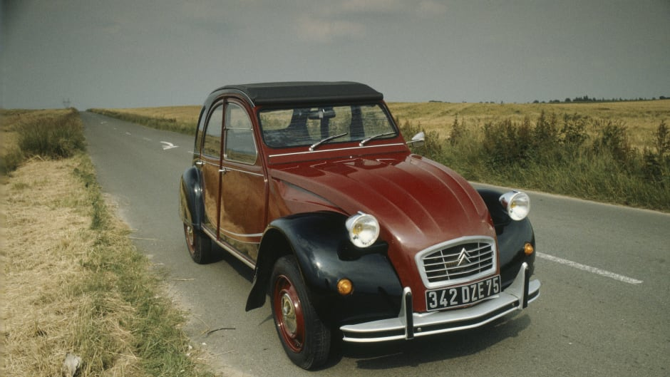 5 French Classic Cars : The Finest Gallic Automobiles   Lookers