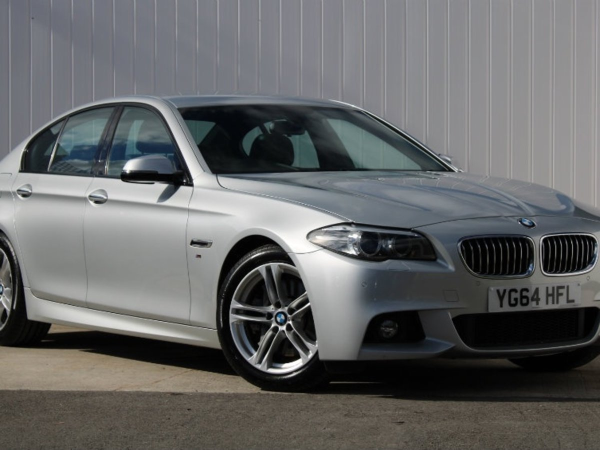 BMW 5 Series: Selecting the sorting order of the names