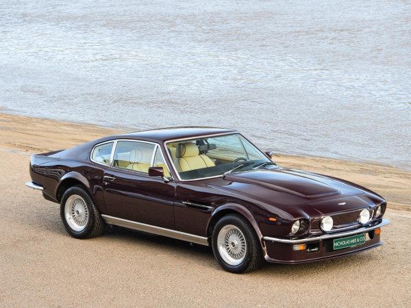 Aston Martin V8 Vantage   LHD