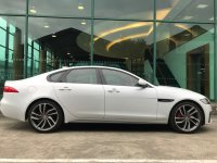 Jaguar All New XF 標準