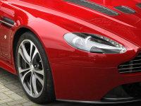 Aston Martin V12 Vantage - Manual