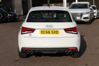 AUDI A1 Sportback quattro 231 PS 6-speed