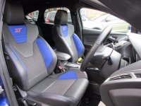 Ford Focus ST-2  2.0T 250ps  * Beautiful Throughout *