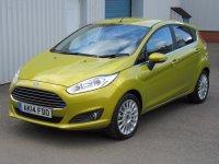 Ford Fiesta TITANIUM  AUTOMATIC * Rear Park Assist *