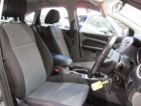 Ford Focus ZETEC 1.6i 5 DOOR ** FULL SERVICE HISTORY **