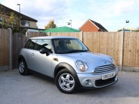 MINI Hatch 1.6 6 Speed Bluetooth Climate Control Pepper Pack Same Lady Owner for more than the last 4 Years Only 40,000 Miles Full Service History 60-Reg