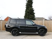 Mitsubishi Shogun 3.2 DI-D Turbo Diesel SG4 Auto 4x4 4WD 7-Seater Large Sunroof Rear DVD Sat Nav Rear Cam Bluetooth Full Leather Heated Seats Rockford Premium Audio Just 2 Private Owners Only 18,000 Miles Service History 2012 61-Reg