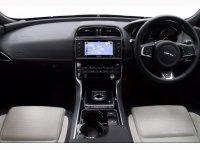 Jaguar XE R-SPORT D AUTO