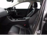 Jaguar XE PRESTIGE D AUTO
