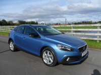 VOLVO V40 D2 CROSS COUNTRY LUX
