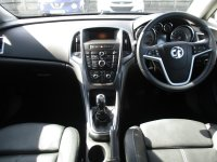 VAUXHALL ASTRA 1.6 Elite 5dr Hatch