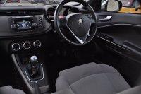 Alfa Romeo Giulietta JTDM-2 DISTINCTIVE