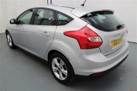Ford Focus 1.0L ZETEC HATCHBACK 5 DR HEATED FRONT SCREEN, REAR PARKING SENSORS, SPORTS SEATS, LUMBAR SUPPORT, HEATED MIRRORS, TRACTION CONTROL, ALLOY WHEELS, AIR CON