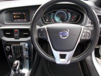 VOLVO V40 D2 R DESIGN 5dr Powershift