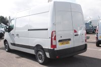 Renault Master 2.3dCi LM35 130 FWD Business Medium Roof Panel Van