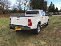 Toyota Hi-Lux 3.0 INVINCIBLE 4X4 D-4D DCB AUTO NO VAT (30/09/2015)