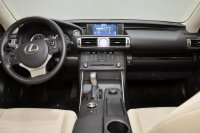 Lexus IS 200T Premier