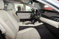 Lexus ES Titanium