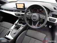 Audi A4 2.0TDI 150 S LINE