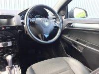 VAUXHALL ASTRA 1.8 i 16v Design Auto Sport Hatch 3dr